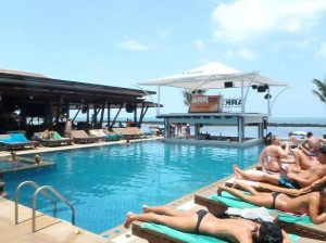 Ark Bar Beach Resort swimming pool