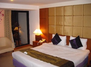 Bally's Studio Suites Sukhumvit bed