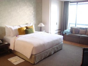 Emporium-Suites-bedroom