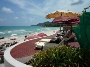 Kirikayan Boutique Resort just in from of the beach