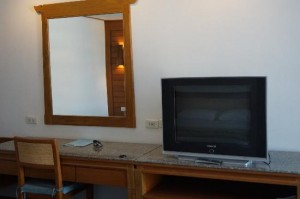 Royal Twins Palace Hotel room TV and desk