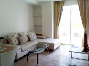 Sabai Sathorn Serviced Apartment living room