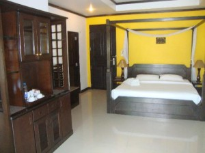 Sand Sea Resort & Spa bedroom
